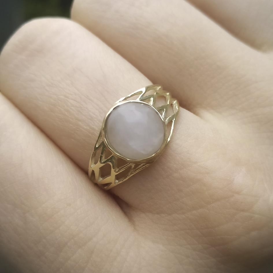 Antieke ring met zelf gevonden bergkristal